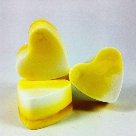 Jabón forma corazón plátano